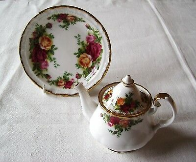 Royal Albert Miniature Teapot+ Pin Tray / Butter Dish –Old Country Roses Pattern