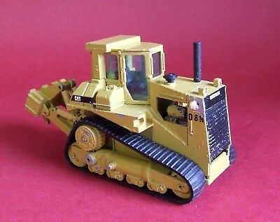 NZG of Germany 1/50 Caterpillar D8L with Ripper No233 Fair to Good