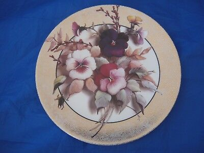 Stunning Limited Edition Collectors Plate with a Floral Design - 'Pansy'