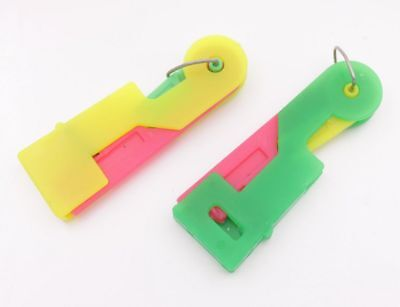 2 pcs Needle Threaders Thread Guide Use Device Sewing tool color random