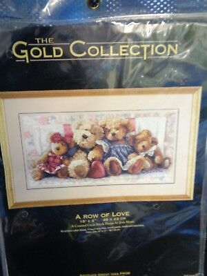 Dimensions Gold Collection Counted Cross Stitch Kit 35039 A ROW OF LOVE BEARS