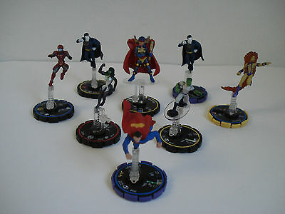 Dc Comics 2005 Heroclix With Base Lot Of 3 Figures Yellow, 4 Blue, 1 Red