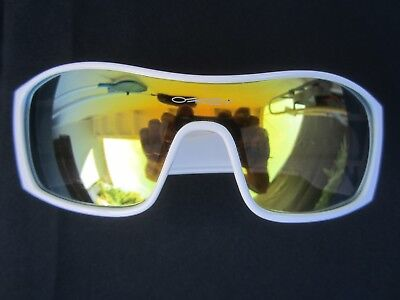 OAKLEY FUEL CELL SUNGLASSES Shades BLACK PLUTONITE LENSES w/ WHITE FRAMES Rare