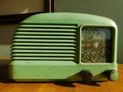 STC 'The Snail' Art Deco Bakelite Valve Radio Model 141 Serial 82526.