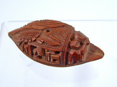 19th CENTURY HEDAIO NUT CARVING.