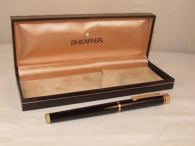 VINTAGE SHEAFFER TARGA CLASSIC FOUNTAIN PEN - MODEL 1022- LAQUE NOIR - C1980's
