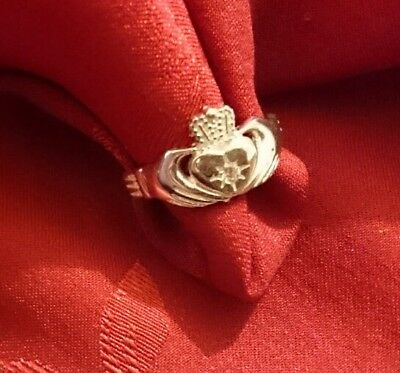 Claddagh Vintage Clear Stone Hallmarked Sterling Silver Ring, Size J, 1.7 Grams