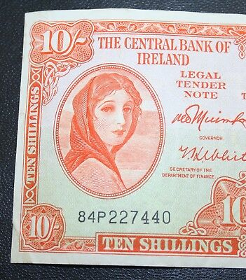 Ireland -1968 Irish Lavery 10/ banknote G. VERY FINE Currency Ten Shilling P64