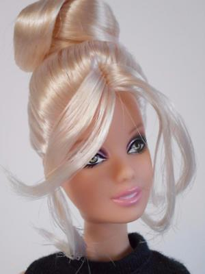 2008 Barbie w/ fabulous blonde hairstyle - Very Cute Doll ready for OOAK project