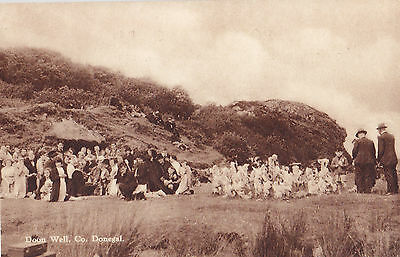 Praying at DOON WELL Co. Donegal Ireland 1930-40s CTC Postcard
