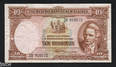 NEW ZEALAND P-158c. (1956-67) Ten Shillings - Fleming..  No Thread.. VF - Crisp
