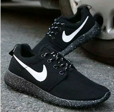 a116c826ae03e Nike Roshe Run Size 9 Oreo Black And White Speckle Rosherun Womens Running  Shoes