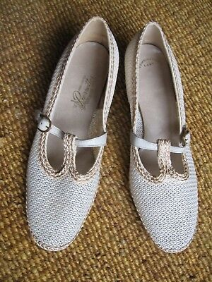Vtg 1940s House of Pierre T-Strap Mary Janes Cream Mesh & Leather Sz 9 - 10