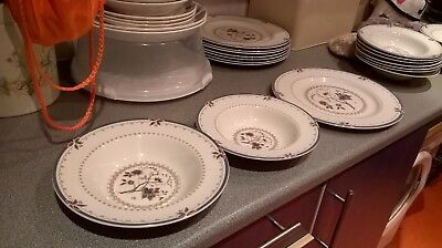 """ROYAL DOULTON DINNER SERVICE """"Old Colony"""" 24 pieces"""