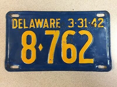 DELAWARE- 1942 original condition license plate. Plate # 8•762.