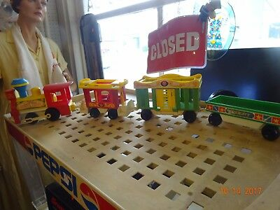 VINTAGE 4 Piece FISHER PRICE LITTLE PEOPLE PLAY FAMILY CIRCUS TRAIN SET #991