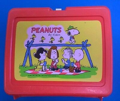 PEANUTS plastic Thermos Brand lunchbox (red) no thermos