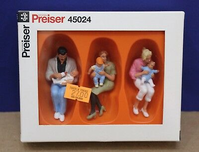Preiser 45024  Parents Seated with Children Babies G Scale MIB 1:22.5 Germany