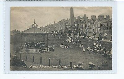 ORIGINAL POSTCARD MARTYRS MONUMENT AND SCORES  St.Andrews --DATED 1917