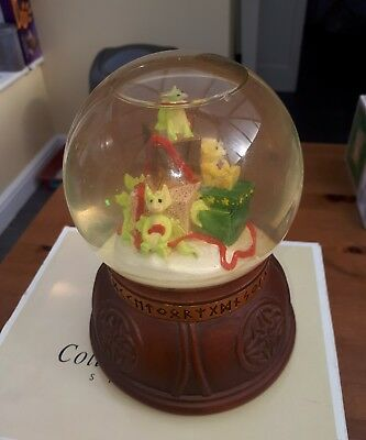 Real Musgrave Pocket Dragons  Presents  Water Globe  Boxed Look