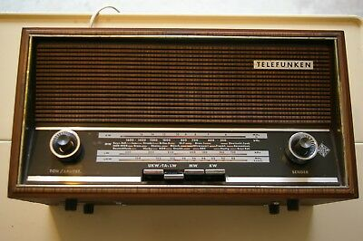 ANCIEN POSTE RADIO TELEFUNKEN Jubilate 201 en finition bois