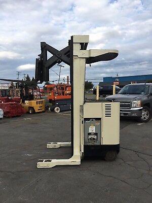 """Crown R3010-35 Forklift Reach Truck 3500Lb 240"""" Lift With Battery & Charger , Hd"""