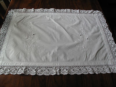 Vintage hand made lace edged flower embroidery large mat runner so beautiful