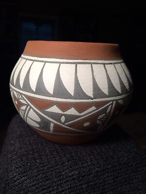 Southwest Native American Pottery Jar Signed By Potter Mary Small