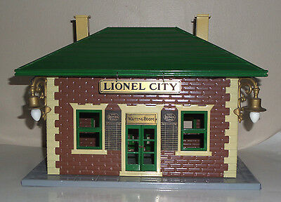 Lionel Prewar Standard Gauge 124 Illuminated Waiting Room Station - Restored