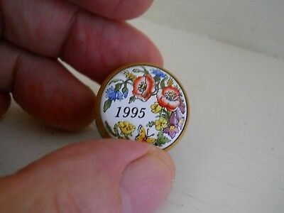 Halcyon days - small screw top pill box with flower decoration  - 1995