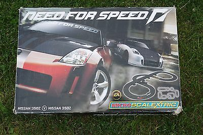 Micro Scalextric Set. Need For Speed - Nissan 350Z V Nissan 350Z