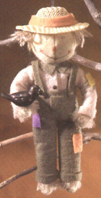 Halloween MIDWEST OF CANNON FALLS HEARTFELTS SCARECROW ORNAMENT