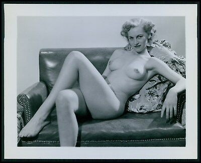 Pinup pin up nude woman erotic puffy nipples original 1950 photo ab20