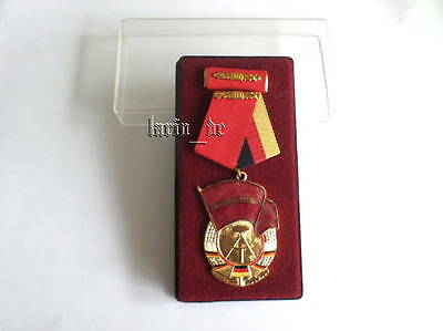 East Germany Medal / Order of the Red Banner of Labor 3rd Class + ribbon + case