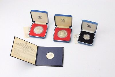 Collection of Vintage Royal Mint Collectable Coins, San Marino Silver Coin Cased