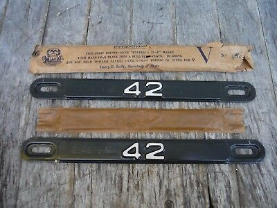 Pair Of Michigan 1942 License Plate Tabs For Plates New Old Stock Rare! Nr!