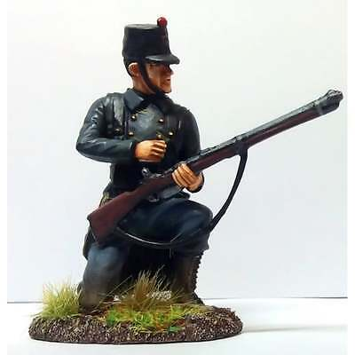 Empire Miniatures 1:32 W1-1408 WW1 Belgian 10th Line Inf Kneeling Loading No 1