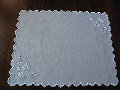 Vintage scalloped edged tray cloth with lovely flower design so beautiful