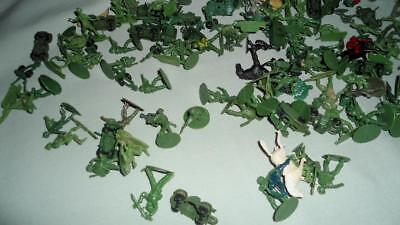 LARGE LOT OF APPROX 1/72nd SCALE PLASTIC SOLDIERS FOUND IN VINTAGE AIRFIX 1970s