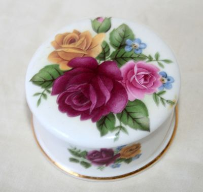 Royal Albert 'Old Country Roses' Style Lidded Pot/Trinket Box, Ex Cond