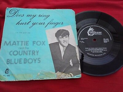 "MATTIE FOX & COUNTRY BLUEBOYS - RARE IRISH 7"" - Does my ring Hurt Your Finger"