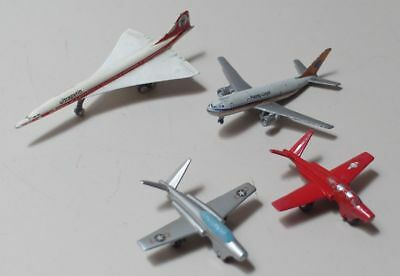 2 Schuco Flugzeuge: 781 Magister, rot bzw. silber + Concorde 784/5 + Airbus