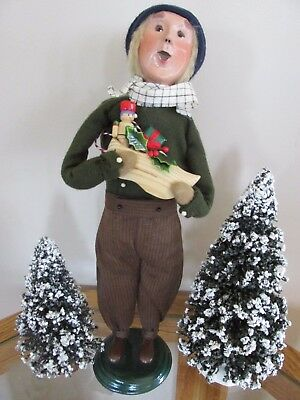 Byers Choice Caroler Man Holding Wooden Shoe 2004 - Very Unique!