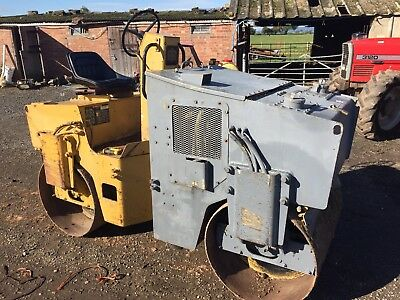 Twin Drum Vibrating Roller. 1200. In Good Working Order.