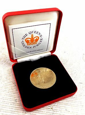 ROYAL MINT The Queens Golden Jubilee Commemorative MEDAL Dated 2002  - C34