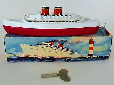 COLUMBUS SHIP BOAT TOY Nr.904 PLASTIC WIND UP LEHMANN WESTERN GERMANY WITH BOX