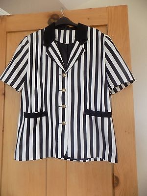 1980's VINTAGE BLACK AND WHITE STRIPED SHORT SLEEVED JACKET sz 14 - 16