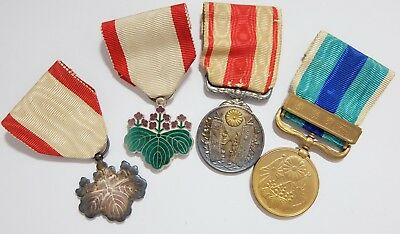 7th & 8th Cl RISING SUN SILVER MEDALS 1915 EMPEROR RUSSIA WAR JAPANESE JAPAN