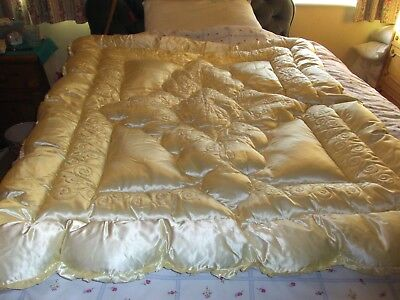 Vintage Eiderdown - Re Posted - Thanks To Being Let Down By Top Bidder