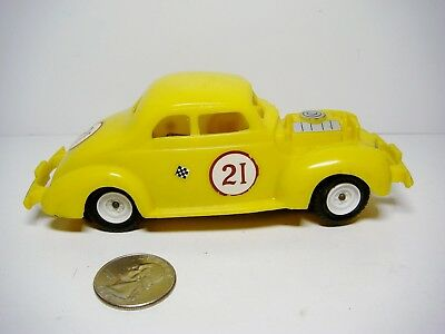 Vintage Gilbert/ American Flyer '40 ford Stock Car 1/32 Slot car in Yellow EX!